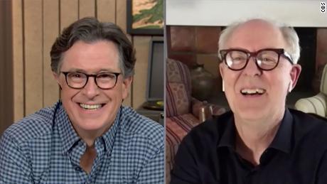The Late Show avec Stephen Colbert et John Lithgow lors du spectacle du mercredi 30 septembre 2020.  Photo: Meilleure capture d'écran possible / CBS 2020 CBS Broadcasting Inc. Tous droits réservés.
