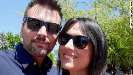 201002173357 01 italian couple coronavirus lockdown engaged trnd large 169 - คู่สามีภรรยาชาวอิตาลีที่พบกันที่ระเบียงระหว่างการกักกันขณะนี้หมั้นกันในเมืองเดียวกับที่ 'โรมิโอและจูเลียต' ถูกตั้งขึ้น - C'mon