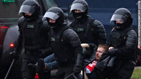 Dozens Arrested on 10th Straight Sunday of Belarus Protests