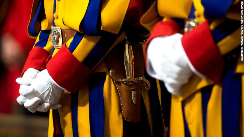 4 Swiss Guards test positive for Covid-19, Il Vaticano dice