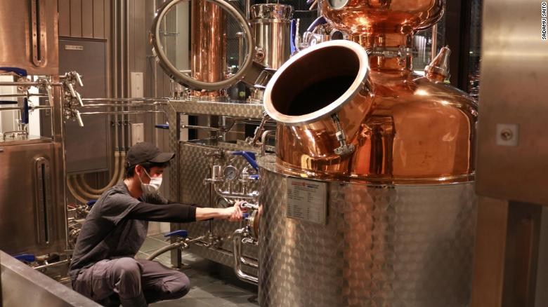 Japanese craft breweries are turning unsold beer into gin