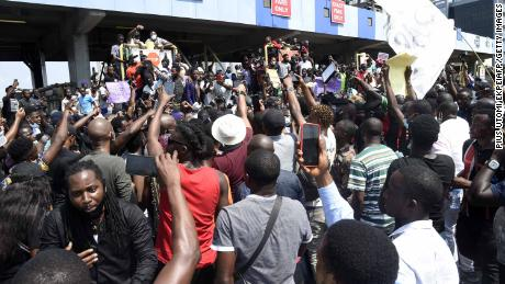 Nigerian forces open fire on peaceful protesters in Lagos