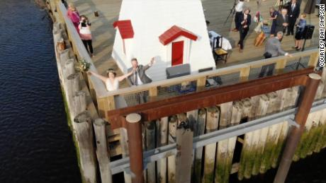 Pandemic love: A couple got married at the US-Canada border so guests from both countries could attend