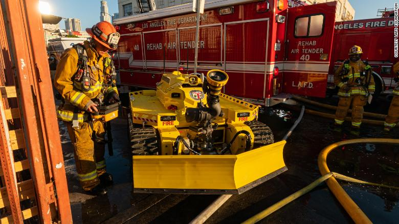 The first firefighting robot in America is here -- and it has already helped fight a major fire in Los Angeles