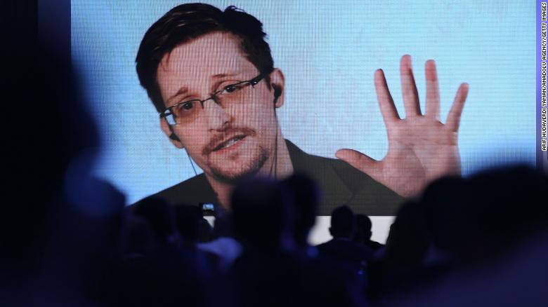 Edward Snowden gets permanent residency in Russia - 변호사
