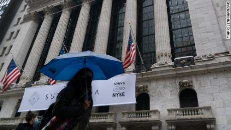 Stocks sell off sharply as coronavirus cases soar