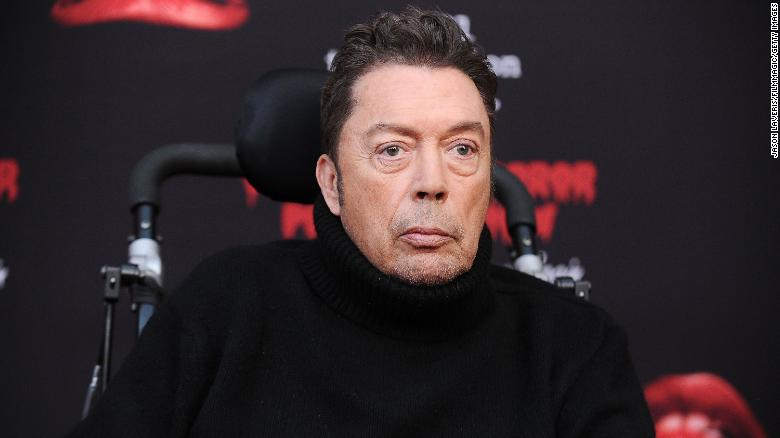 Tim Curry sluit aan by 'Rocky Horror' live stream om Demokrate te help