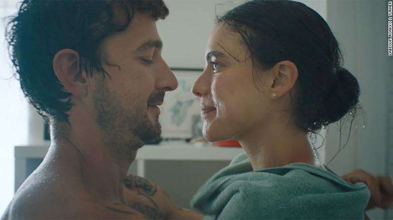 Shia LaBeouf en Margaret Qualley speel in nuwe musiekvideo