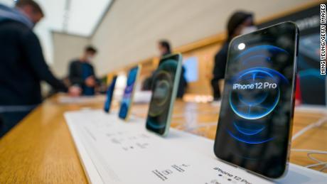 Apple shares fall despite surprise revenue gain