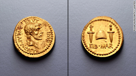 An ultra-rare coin celebrating Julius Caesar's assassination sells for a record $  3.5 miljoen