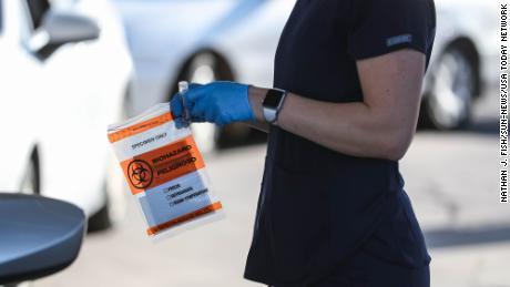 ایالات متحده روزانه 125000 عفونت ویروس کرونا را در اختیار دارد - یک رکورد بالا