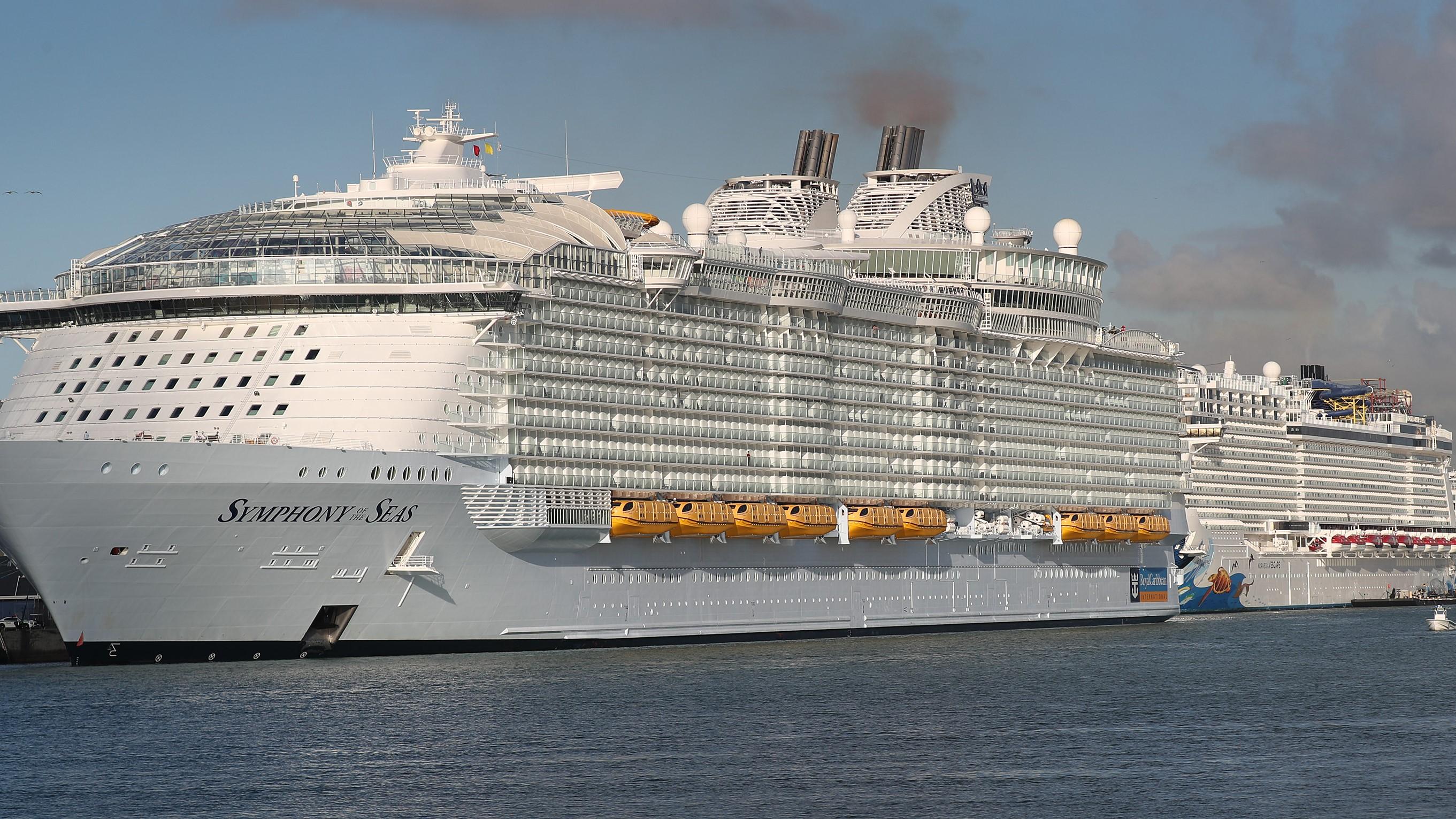 Royal Caribbean Mock Cruises Attract Thousands Of Volunteers Cnn Travel