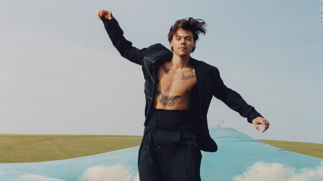 harry styles becomes vogue s first ever solo male cover star cnn style cnn com