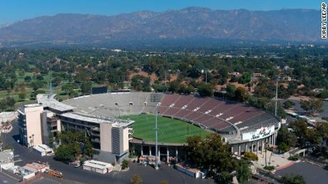 Cal To Play UCLA At Rose Bowl Sunday 9 am