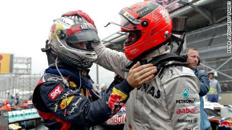 Al igual que Hamilton, los padres de Michael Schumacher (derecha) hicieron tremendos sacrificios para financiar la incipiente carrera de karting de su hijo cuando era niño, mientras que Sebastian Vettel (izquierda) ha dicho que es posible que no lo haya logrado como conductor profesional debido a los costos. lo mismo cuando él era un junior que ahora.