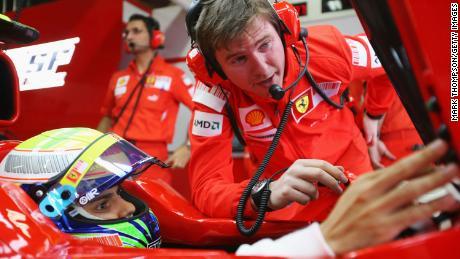Rob Smedley (derecha) fue anteriormente el ingeniero de carreras de Felipe Massa (izquierda) en Ferrari y Williams F1, antes de fundar Electroheads y convertirse en director de sistemas de datos para F1.