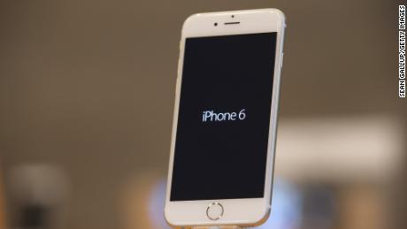 اپل 113 میلیون دلار بابت کاهش آگاهانه آیفون ها پرداخت کند