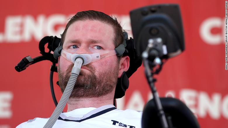 Pat Quinn, the co-founder of the ALS Ice Bucket Challenge, muere en 37