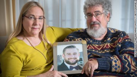 Fox News settles lawsuit with family of Seth Rich