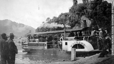 A paddle steamer at Pipiriki on the Whanganui River, circa 1910.