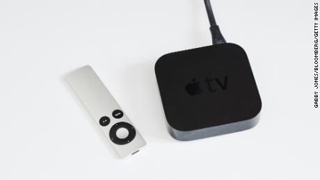 در تصویر جعبه Apple TV قرار دارد.