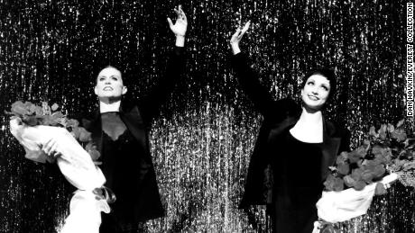 "Ann Reinking, links, performs in ""Chicago&kwotasie; in 1996"