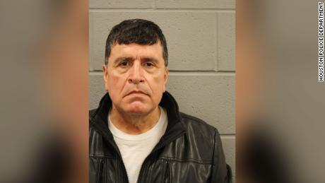 Ex-Houston officer accused of assault in bogus fraud claim