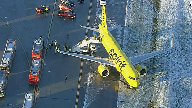 Spirit Airlines plane skids off taxiway at BWI Airport