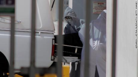 Mexico prendra des «mesures extraordinaires»  pour arrêter la flambée des décès de Covid-19
