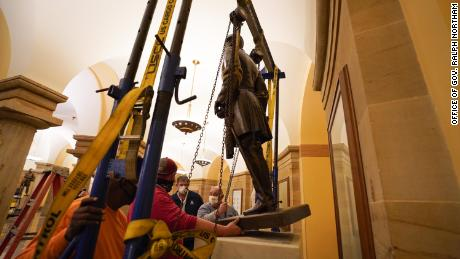 Statue of Confederate General Robert E. Lee Removed from US Capitol