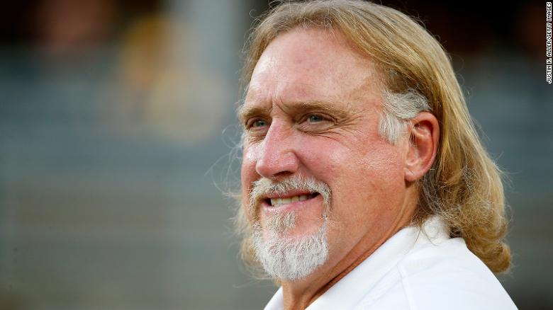 Kevin Greene, NFL sack legend and Hall of Famer, ha muerto a la edad 58