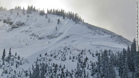 Three skiers have been killed by avalanches in Colorado during an 'especially dangerous' tyd