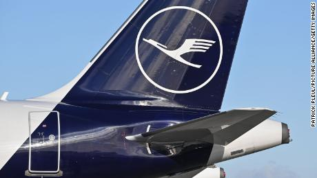 Lufthansa airlifts fresh food to England as UK border chaos continues
