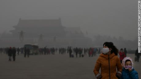 北京, 中国's capital, is often shrouded in heavy smog in the winter.