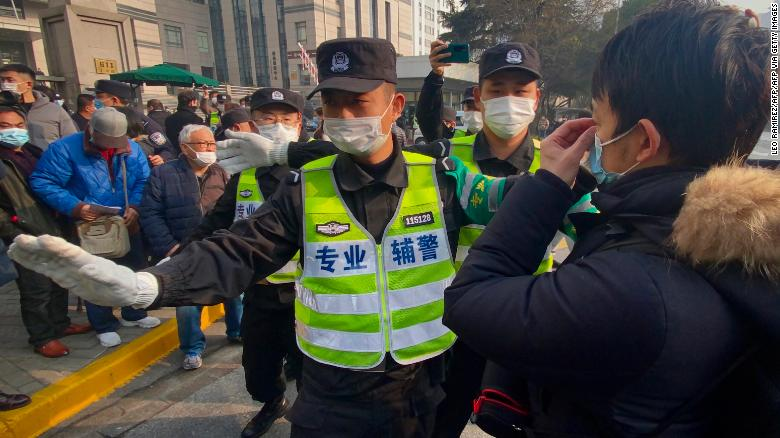 Chinese journalist who documented Wuhan coronavirus outbreak jailed for 4 años