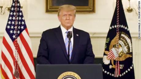 ट्रम्प की हताश करने की कोशिश अपने निहित राष्ट्रपति पद को बचाने के लिए