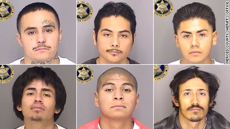 搜捕正在进行中 6 inmates who escaped from a California jail using a homemade rope