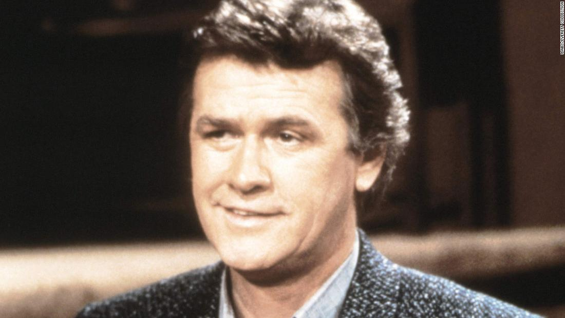 "<a href =""https://www.cnn.com/2021/01/11/entertainment/john-reilly-actor-death-trnd/index.html"" target =""_blank"">John Reilly,</un> a longtime soap-opera actor known for his time on ""Policlinico,&quoquot� morto a gennaio 9, sua figlia ha confermato alla CNN. È stato 86."