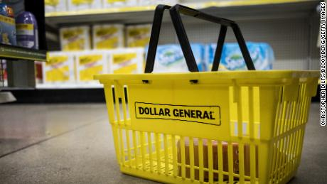 Dollar General will pay its workers to get a Covid-19 vaccine