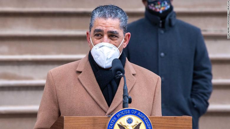 Demokratiese Rep. Adriano Espaillat tests positive for Covid-19