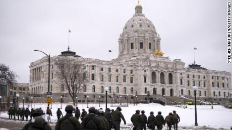 Conservation Officers with the Minnesota Department of Natural Resources prepare for protests outside of the Capitol building in St Paul, 미네소타.