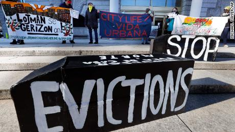Biden seeks to extend bans on evictions and foreclosures