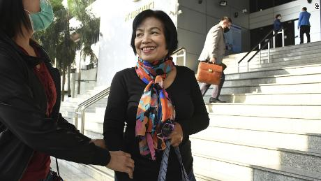 Thai woman gets 43-year sentence for insulting king