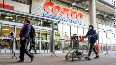 Costco is (finally) testing out curbside pickup for groceries