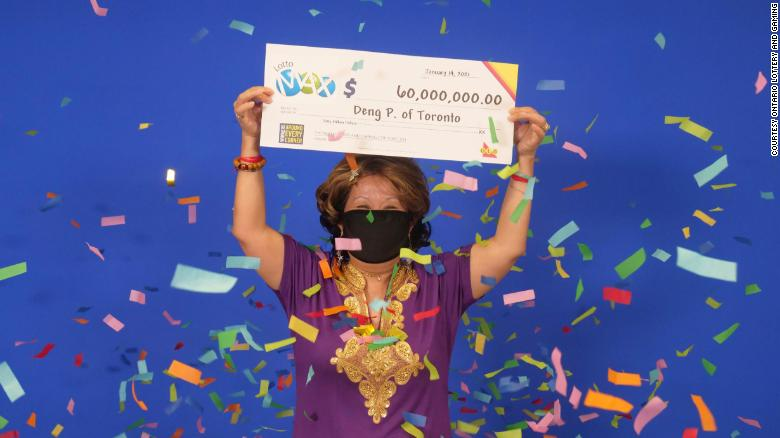 우승 한 여자 $  60 million lottery said she got the winning numbers from her husband's dream