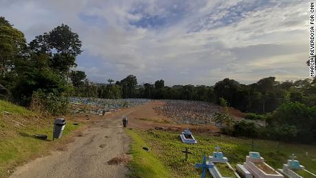 ماناؤس میں ٹروما قبرستان۔
