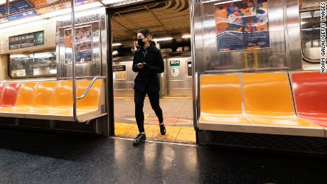 CDC says travelers must wear masks on all forms of public transportation