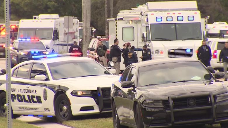 Federal Bureau of Investigation agents killed, 3 hurt while serving warrant in Florida