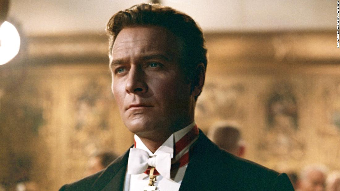 "<a href =""https://www.cnn.com/2021/02/05/entertainment/christopher-plummer/index.html"" target =""_blank"">Christopher Plummer,</un> the elegantly voiced, Oscar-winning actor perhaps most fondly remembered for ""Il suono della musica,quot;quot; è morto febbraio 5 all'età di 91."