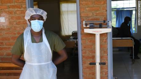 В отделениях Covid-19 в Малави влияние вакцинационного национализма слишком очевидно.